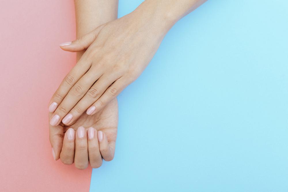 naturalny manicure ślubny - zdjęcie 3