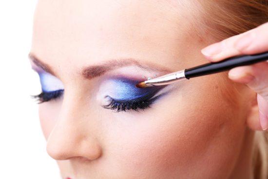 Niebieski makijaż ślubny - zdjęcie 20