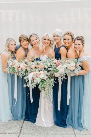 niebieskie sukienki dla druhen