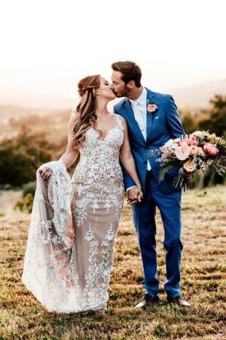 Garnitur ślubny w kolorze Classic Blue