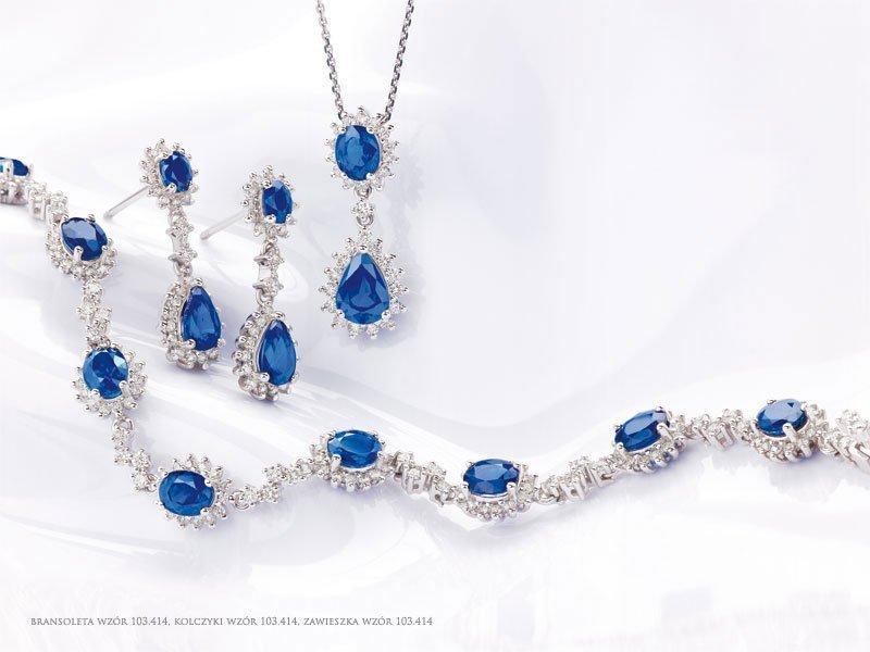 Niebieska biżuteria ślubna z szafirami