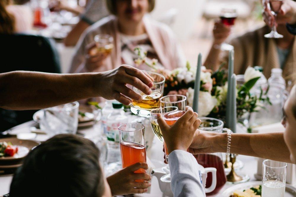 Trendy ślubne 2020: próbna kolacja
