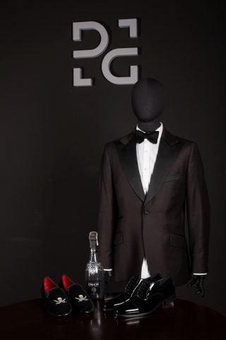Czarny garnitur De La Garza