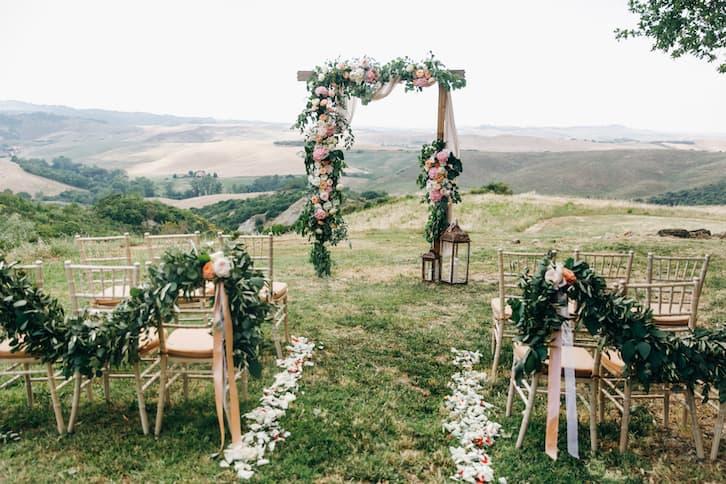 ślub humanistyczny ołtarz w górach
