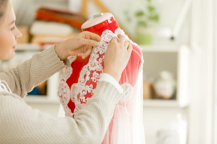 przygotowania do ślubu suknia ślubna przymiarki