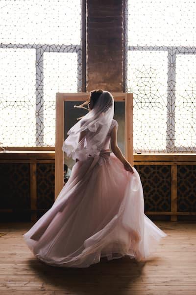 panna młoda suknia balowa