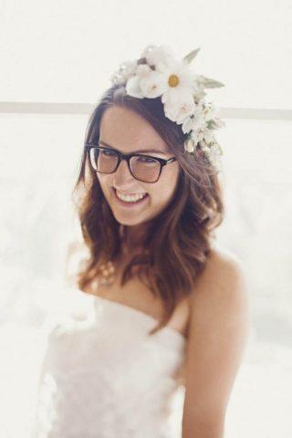 Panna Młoda w okularach - duże oprawki