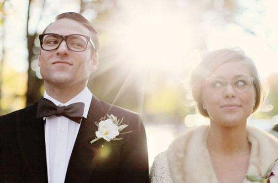 Panna Młoda w okularach - jasne oprawki