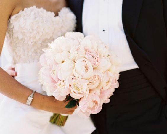 Po co Pannie Młodej bukiet ślubny?
