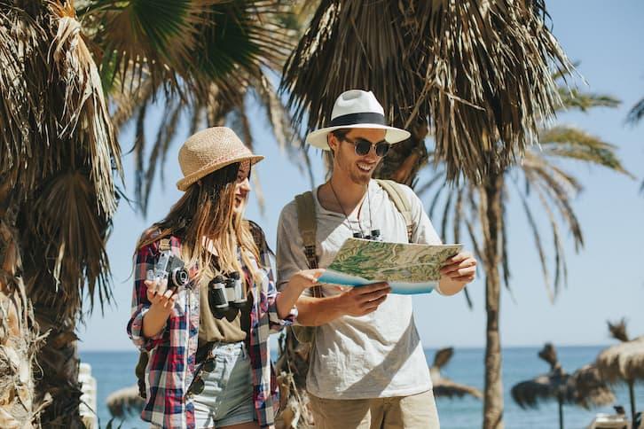 podróż poślubna para mapa