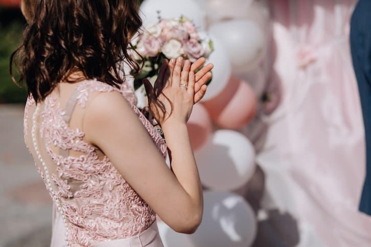 prezent ślubny od matki chrzestnej