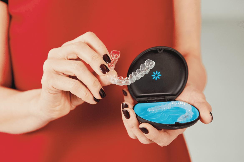 Invisalign - alternatywna metoda prostowania zębów
