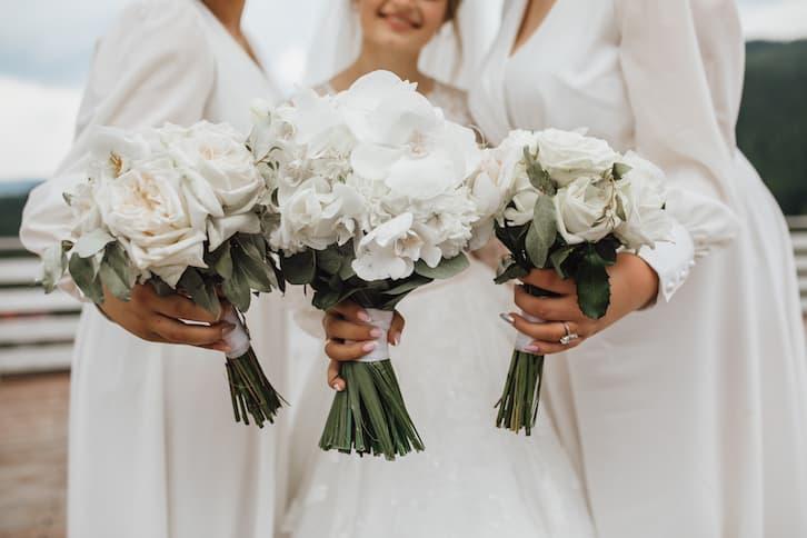 bukiet ślubny białe kwiaty