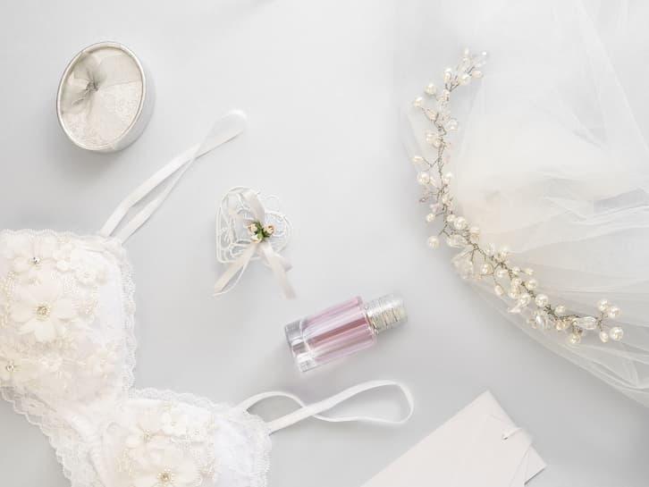 przesądy ślubne suknia ślubna agrafka