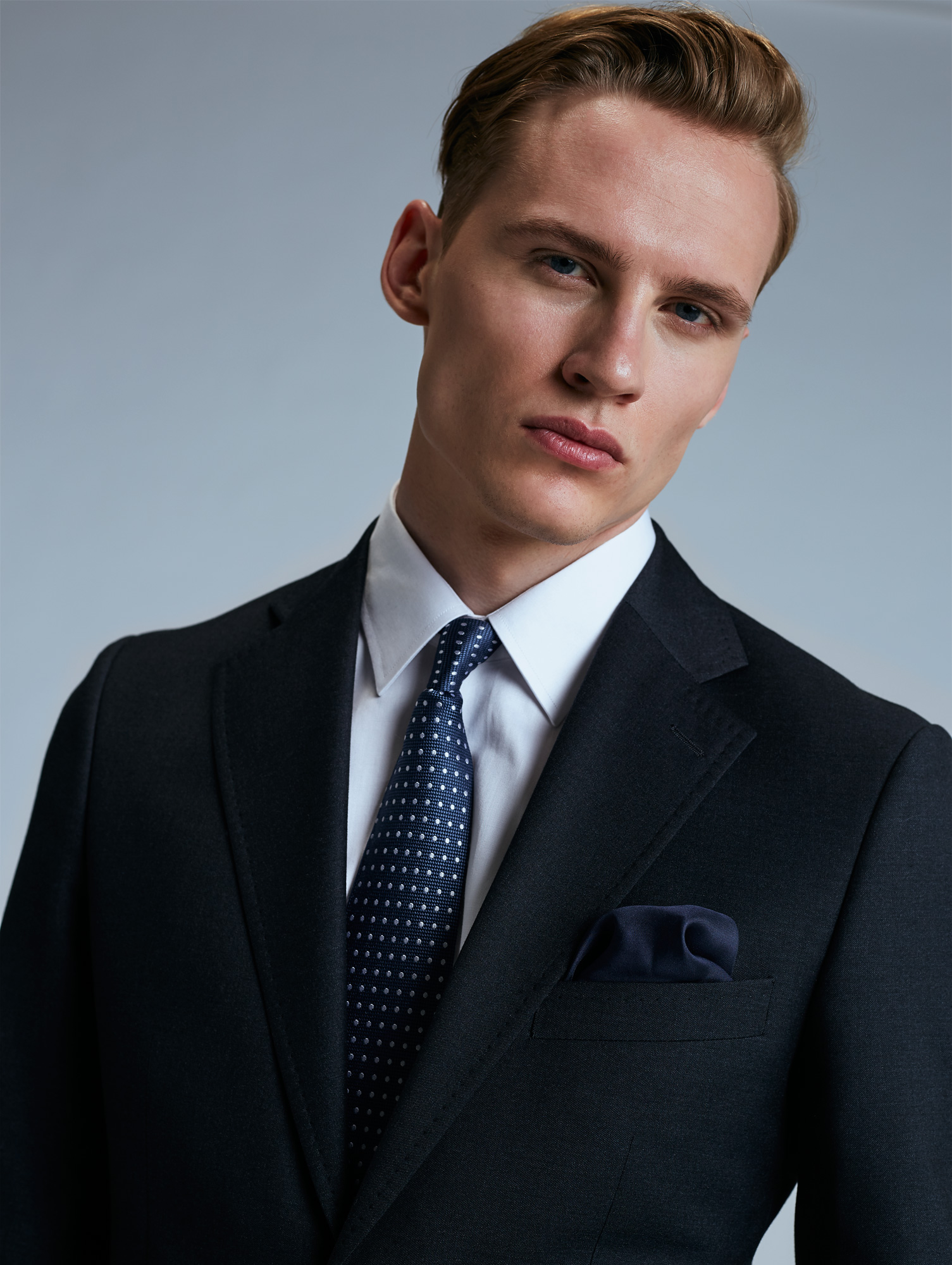 63ecab8dd6e52 Idealny garnitur ślubny - różne sylwetki, różne style - Wedding.pl