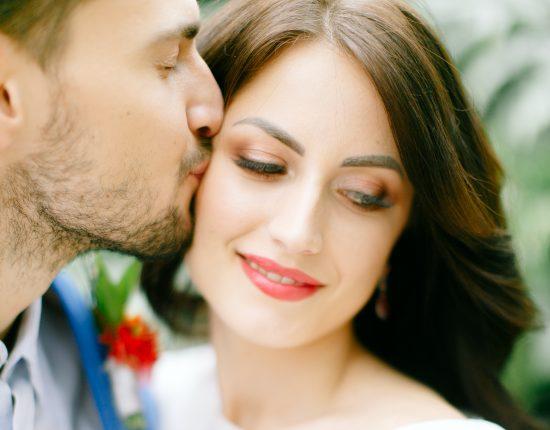 Rzęsy sztuczne na ślub to HIT czy KIT? - zdjęcie 1