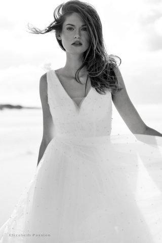 Tiulowa suknia ślubna SENSE by Elizabeth Passion