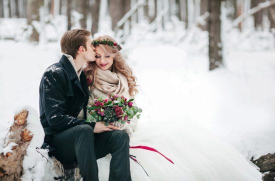 Sesja ślubna zimą - zdjęcie 11
