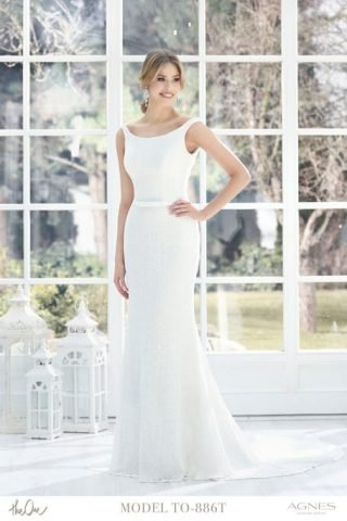 Skromna suknia ślubna rybka Agnes Fashion Group