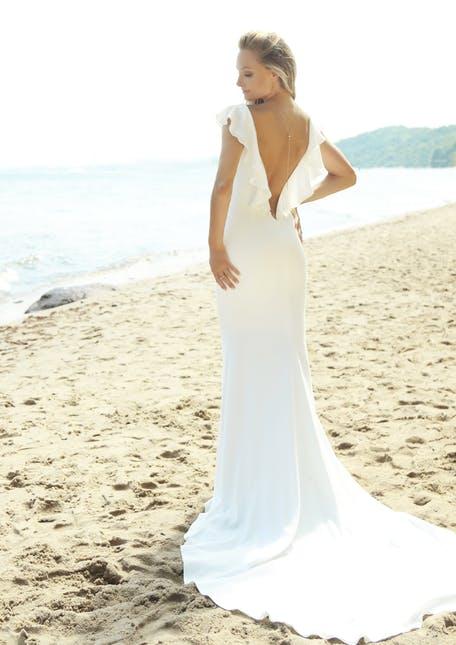 Suknia ślubna z dekoltem na plecach Gala