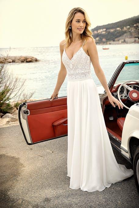 Skromna suknia ślubna w stylu boho Lady Bird