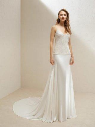 Skromna suknia ślubna z satyny Pronovias