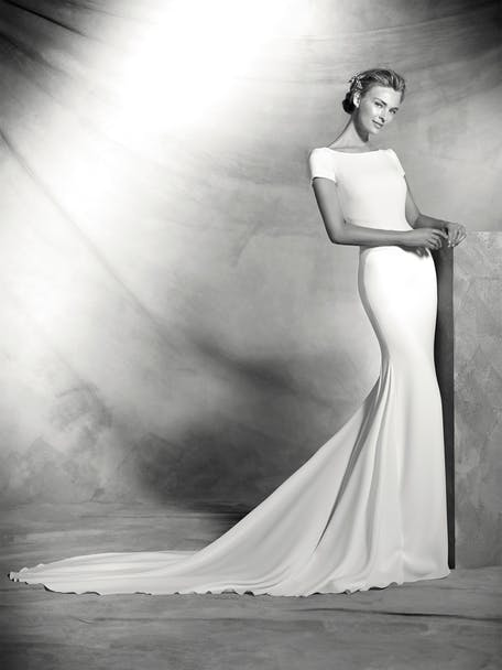 Suknia ślubna inspirowana Meghan Markle Pronovias