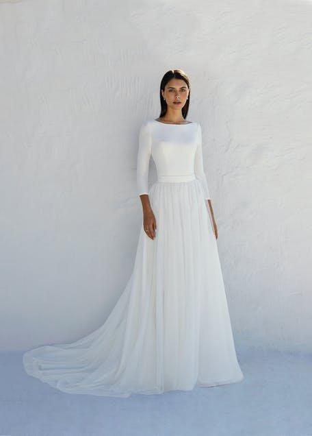 prosta suknia ślubna długi rękaw