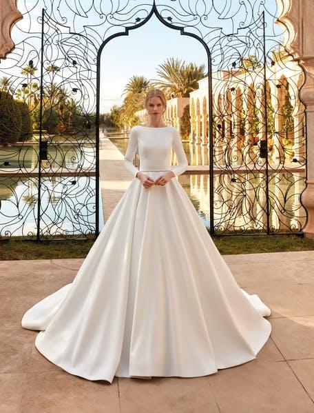 prosta suknia ślubna princessa