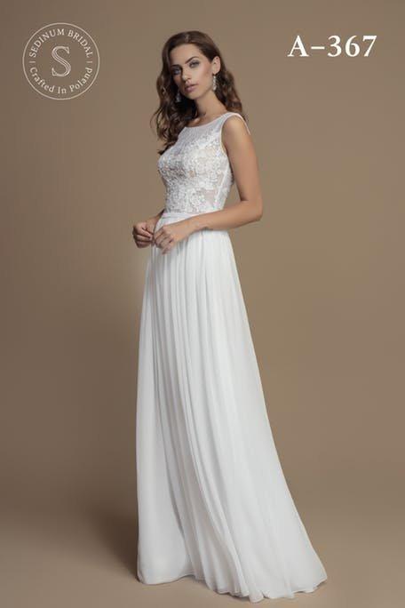 Skromna suknia ślubna plisowana Sedinum Bridal