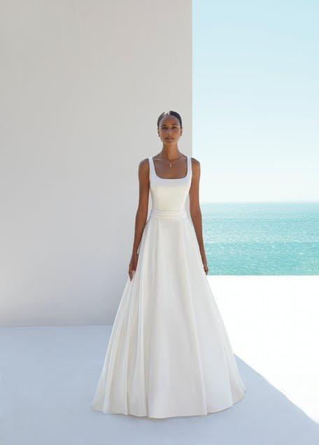 skromne suknie ślubne proste