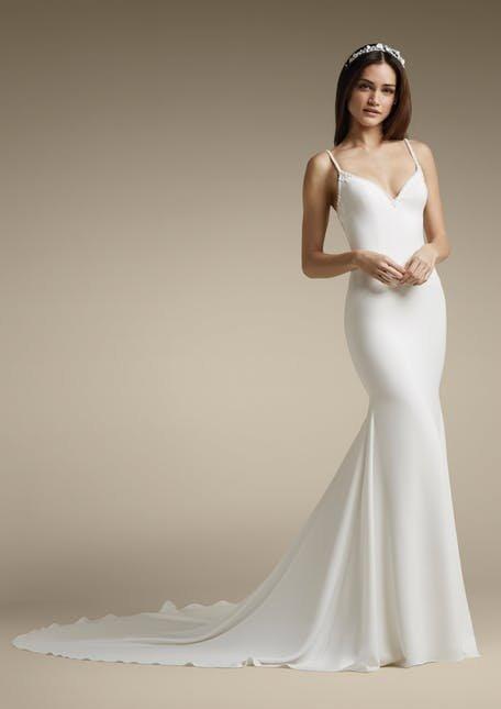 Skromna suknia ślubna gładka St.Patrick