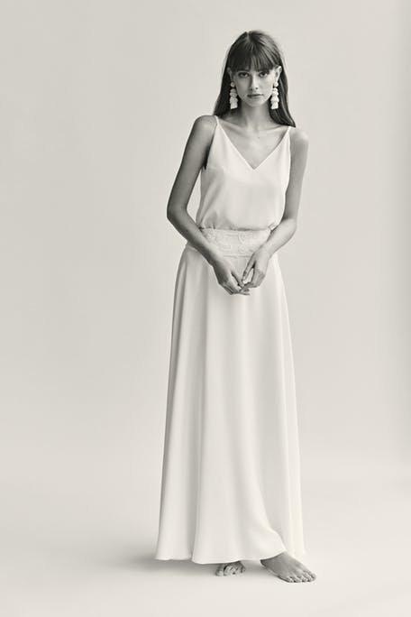 Skromna suknia ślubna zwiewna Warsaw Poet