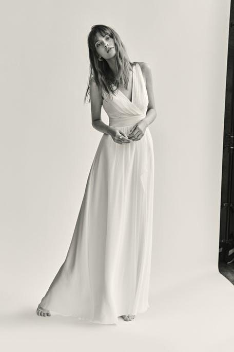 Skromna suknia ślubna odcinana pod biustem Warsaw Poet