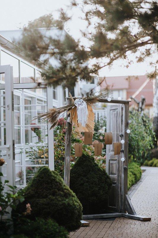 wejście do stali weselnej w stylu boho glamour
