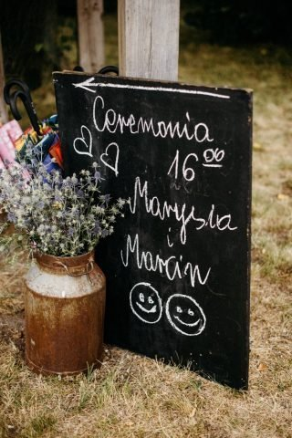 Ślub i wesele w stylu rustykalnym - zdjęcie 53