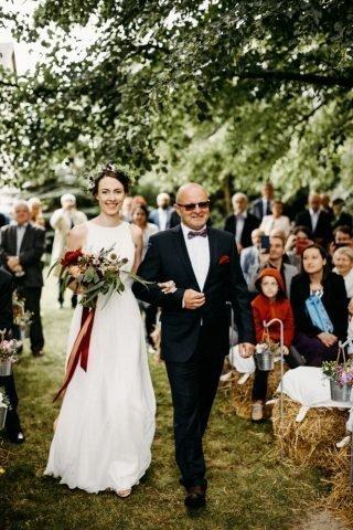 Ślub i wesele w stylu rustykalnym - zdjęcie 52