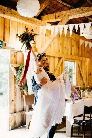 Ślub i wesele w stylu rustykalnym - zdjęcie 38