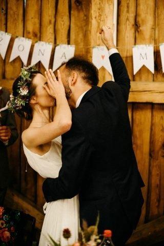 Ślub i wesele w stylu rustykalnym - zdjęcie 26