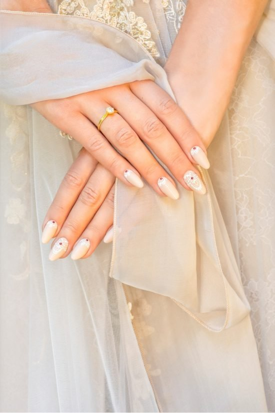 stylizacje paznokci dla Panny Młodej - nude