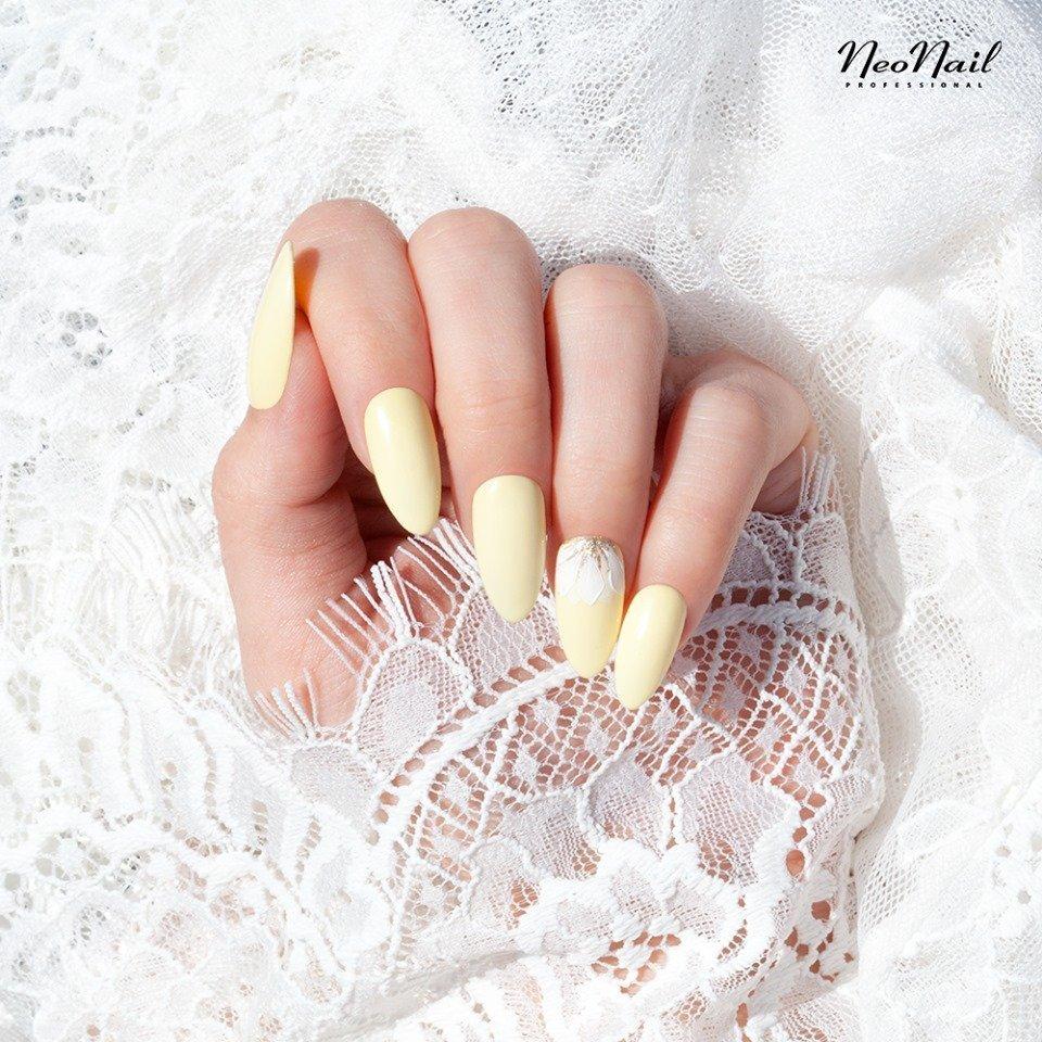 stylizacje paznokci dla Panny Młodej - żółty
