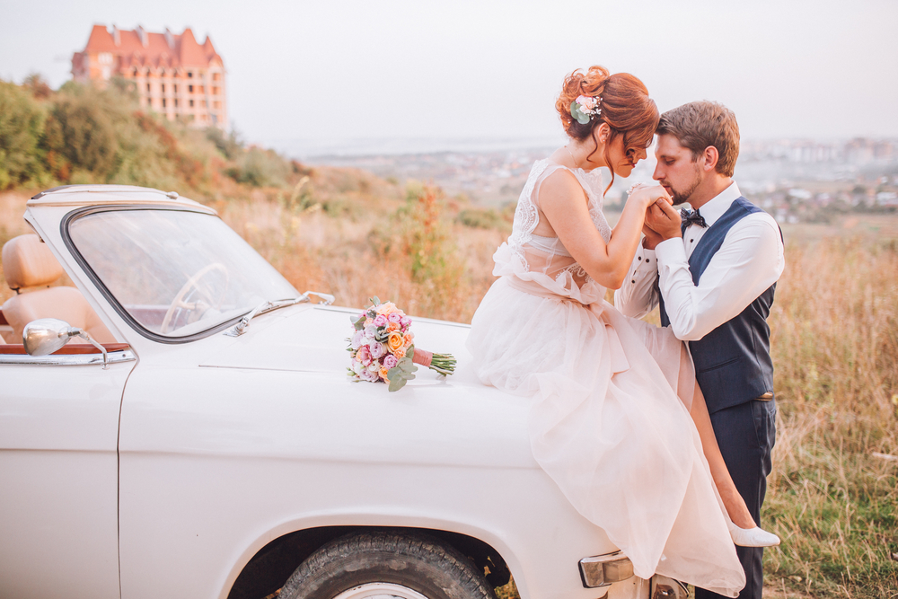 ślubny samochód retro - zdjęcie 4
