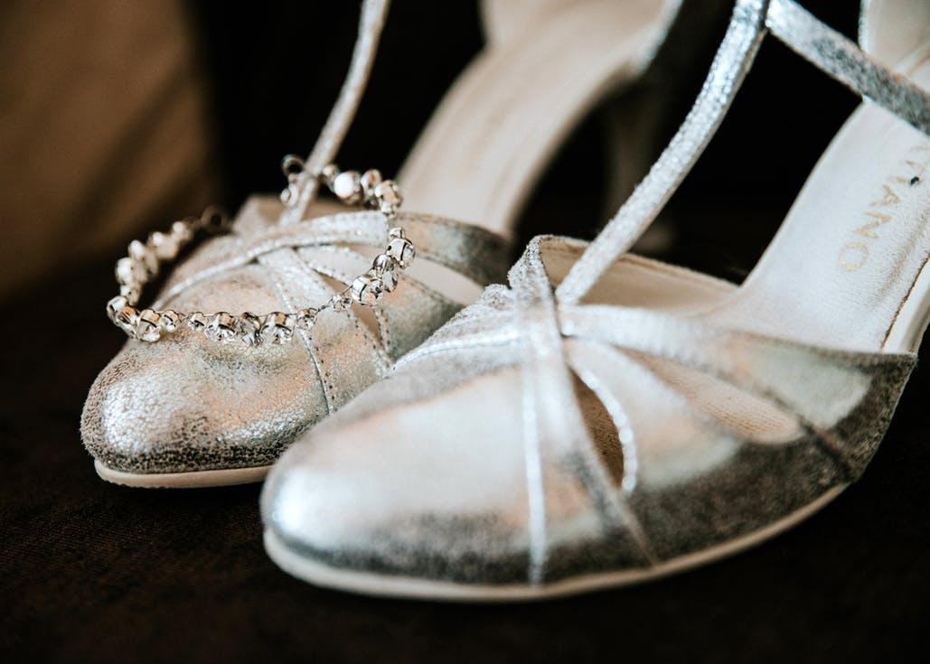 Srebrne buty ślubne - jakie wybrać