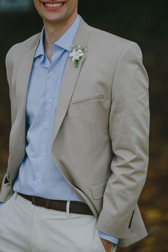 Strój Pana Młodego na poprawiny - beżowy garnitur