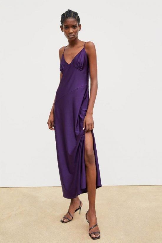 Fioletowa sukienka w stylu bieliźnianym