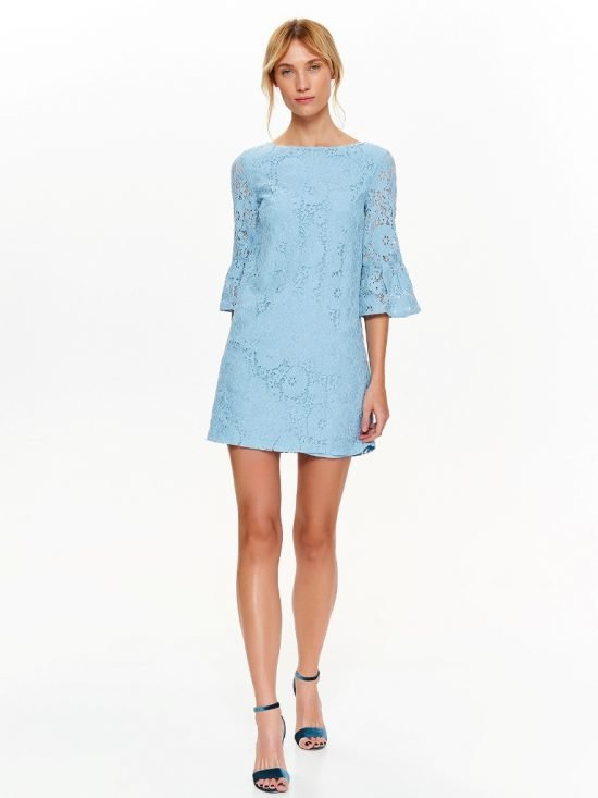 Błękitna sukienka z koronki