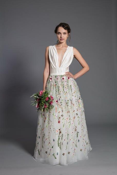 długa sukienka weselne w kwiaty