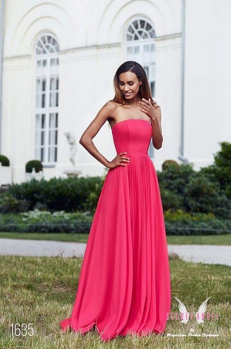 długa sukienka na wesele bez ramiączek