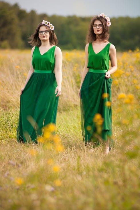 sukienki na wesele typ urody jesień