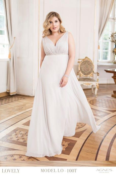 Zwiewne sukienki plus size na ślub cywilny